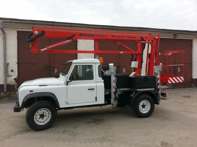 Kloubová plošina na Land Roveru Defender opět dostupná
